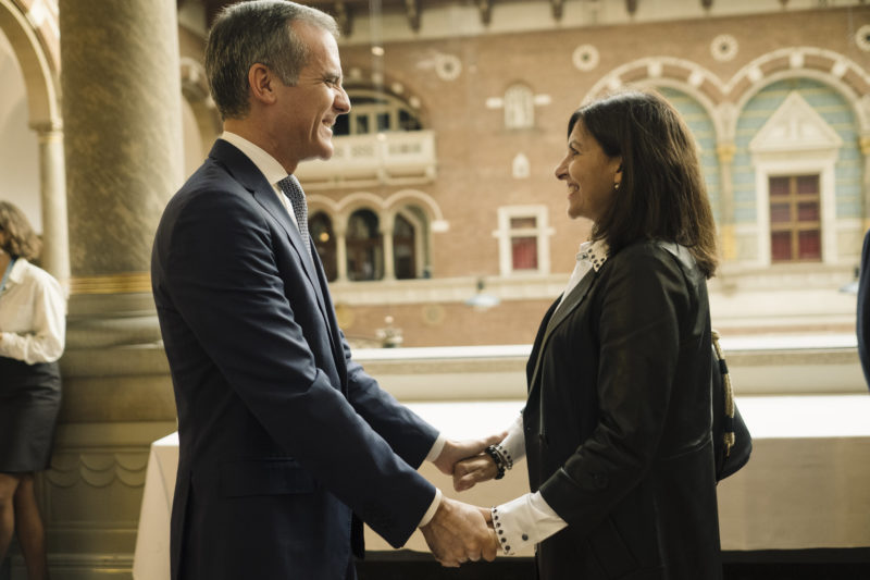 At the C40 World Mayors Summit, Mayor of Paris and C40 Chair Anne Hidalgo officially passed the baton to her friend and newly-announced Chair-Elect of C40, Mayor of Los Angeles Eric Garcetti.
